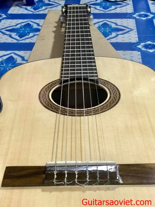 Guitar Classic gỗ thịt giá rẻ