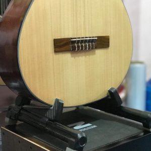 Chân để Đàn Guitar chữ A