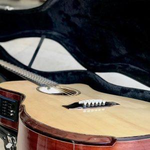 Guitar Acoustic HD-02SV