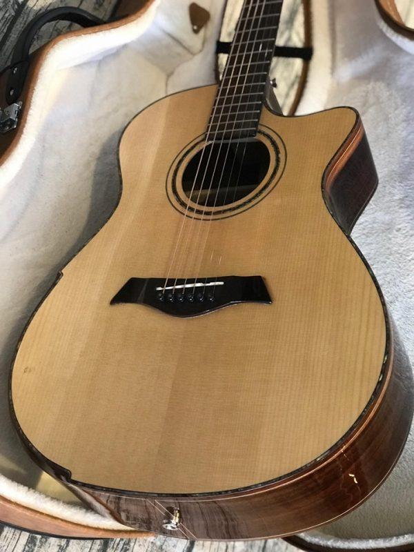 Guitar Acoustic Custom CD-40SV